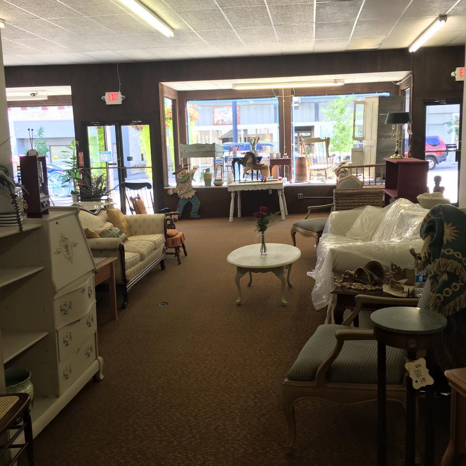 Robin's Nest Boutique & Consignment